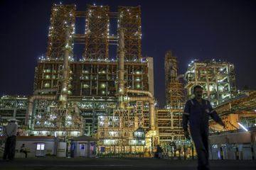 پیش بینی سقوط قیمت جهانی نفت