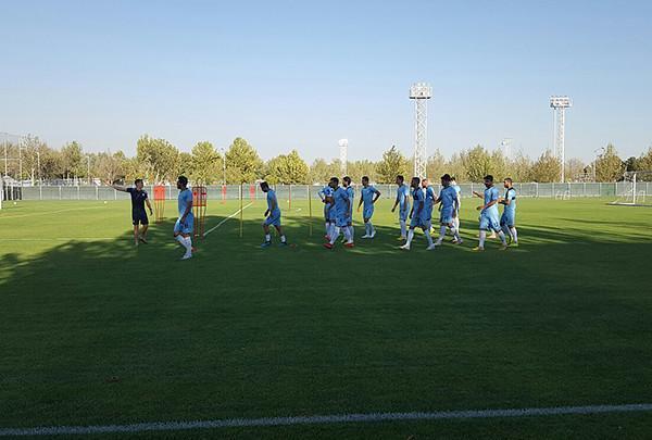 جشن تولد نادری در تمرین، حضور طارمی و محمدی در مرکز ملی فوتبال