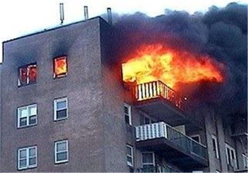 مصدومیت شدید یک آتش نشان در حادثه آتش سوزی یک ساختمان 10 طبقه