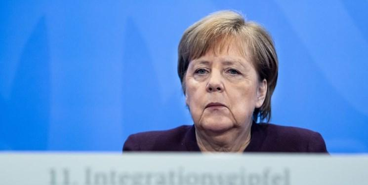هیتلر خواندن مرکل، کار دست سفیر مالت داد