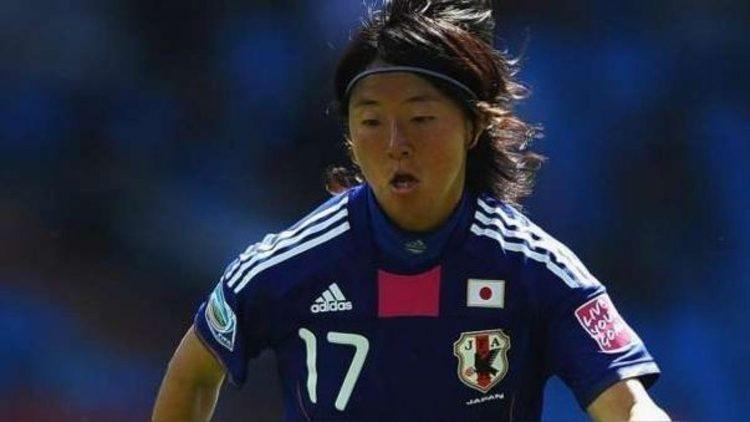 حضور یک فوتبالیست زن ژاپنی در تیم مردان