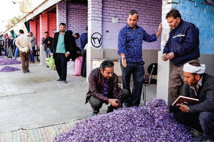 تجارت خیابانی گران ترین گل جهان!