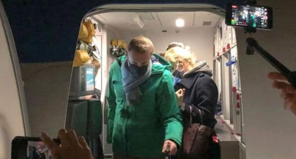 (ویدئو) آلکسی ناوالنی در فرودگاه مسکو بازداشت شد