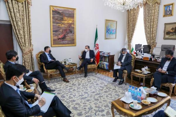 خبرنگاران قائم مقام وزیر خارجه کره جنوبی با عراقچی ملاقات کرد