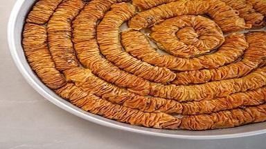 طرز تهیه محنشا یا شیرینی بادامی ؛ خوشمزه و کم نظیر